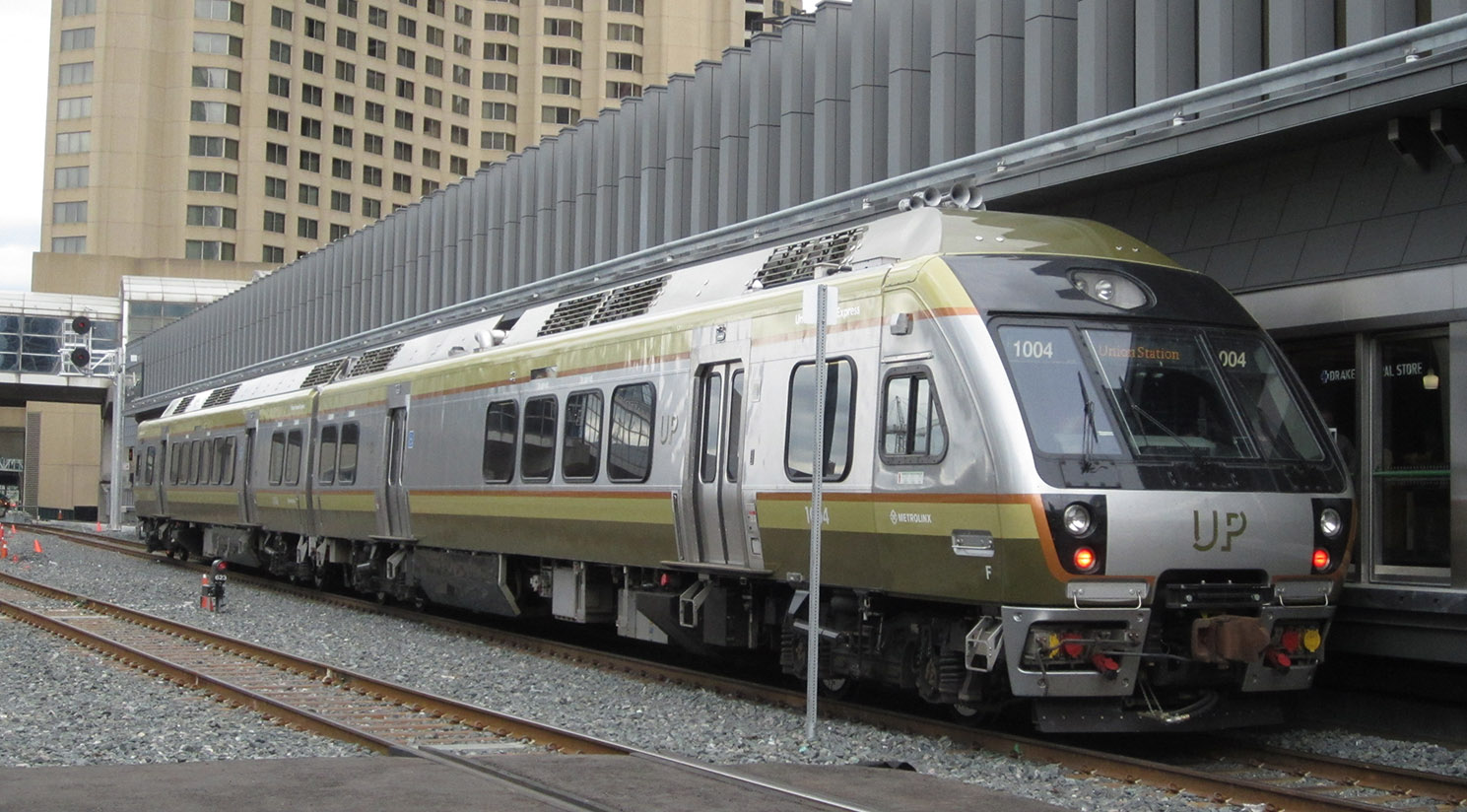 Support for Automotive Railcar Acquisition by Metrolinx